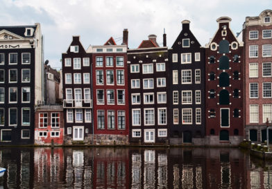 City of Amsterdam studies options for British residents to stay