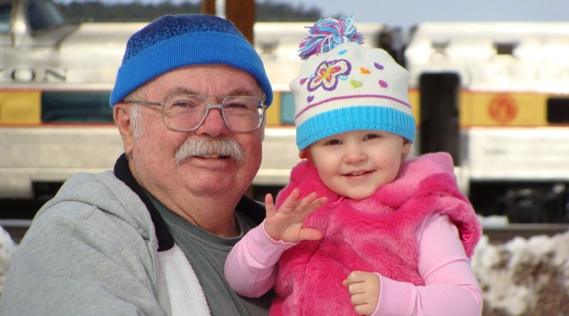 Family: grandpa and little girl via Pixabay.