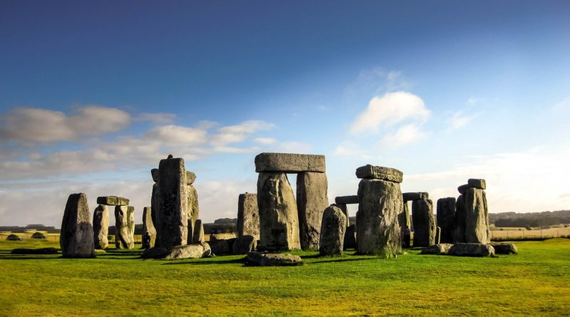 English symbol: Stonehenge