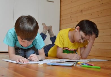 How to make home schooling with bilingual children more effective